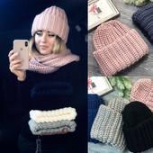 Объёмные вязаные женские шапки. Комплекты: шапка и шарф-хомут. Мои фото