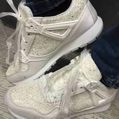 Обалденные кроссовки! фото 1, 2 в наличии