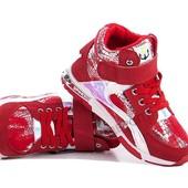В наличии кроссовки бренда С.Луч.