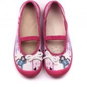 Сегодня выкуп красивые и качественные тапочки,кеды- Польша.Вся обувь идёт с кожаной стелькой.