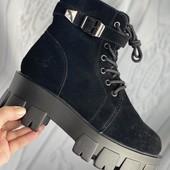 Черные ботинки зимние на меху из натуральной замши